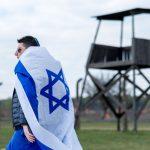 """Uri Awneri, poseł do Knesetu dla """"Neues Deutschland"""": Izraelczyków uczy się, że Holokaust był wspólnym niemiecko-polskim przedsięwzięciem"""