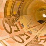 Włochy zamiast Grecji. Kolejny kryzys przybliża koniec euro oraz o formowaniu nowego człowieka.