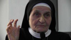 s. Michaela Pawlik: Okultyzm, reinkarnacja i Kryszna. Czym są w istocie? [WIDEO] siostra michaela
