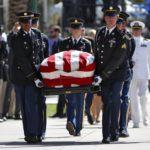 Lewicki: Podzwonne dla McCaina i partii wojny w USA