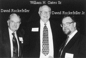 Eugenika w Ameryce: Dziedzictwo Margaret Sanger i Billa Gatesa Rockefeller Senior and Junior with Gates Senior