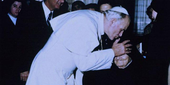 Ofiarowała życie za Jana Pawła II Jan Pawel II i Matka Speranza